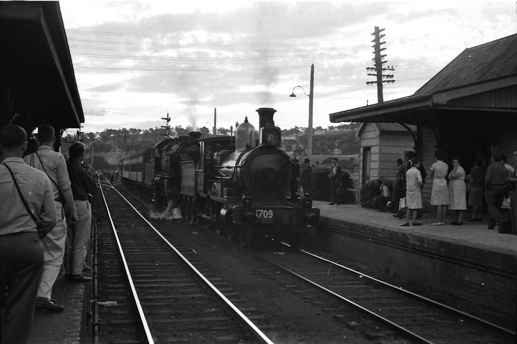 Dennis O'Brien Collection Oberon Tarana Heritage Railway 54