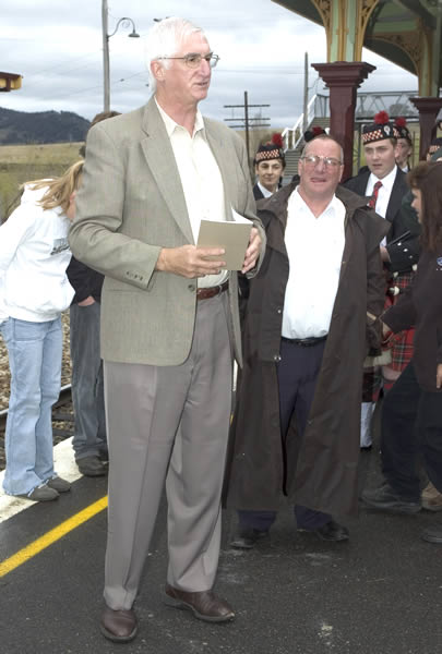 Gerard Martin MP pictured in Sep 2005 at the official opening of the OTHR project at Tarana.